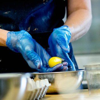Disposable Blue Vinyl Gloves, Powdered
