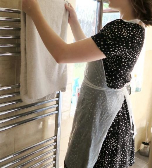 Standard disposable aprons